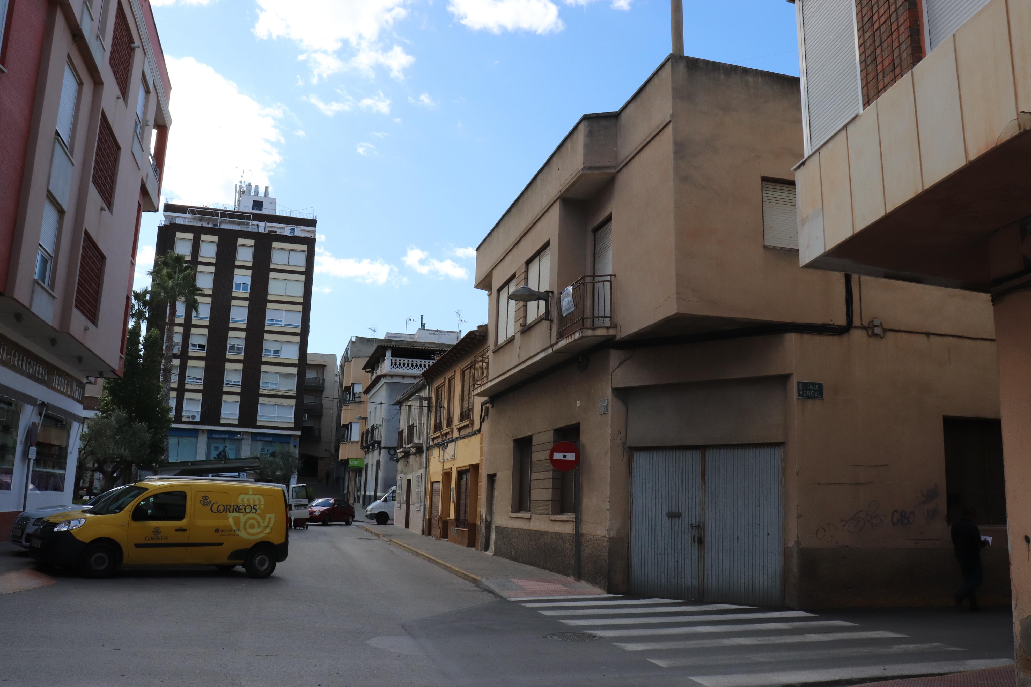 Edificio para derribar en pleno centro de Bigastro