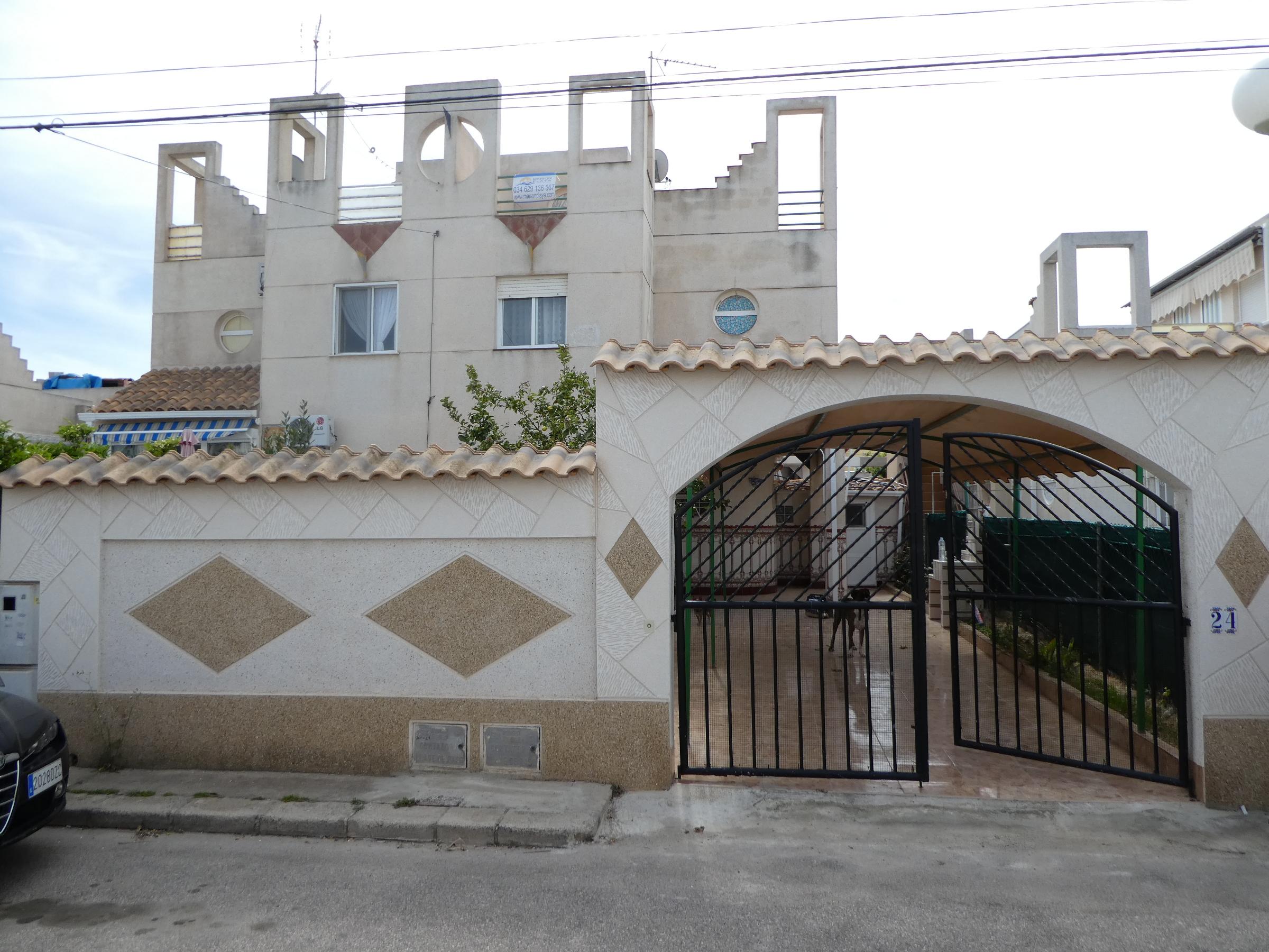 Chalet adosado 3 dormitorios en Torrevieja