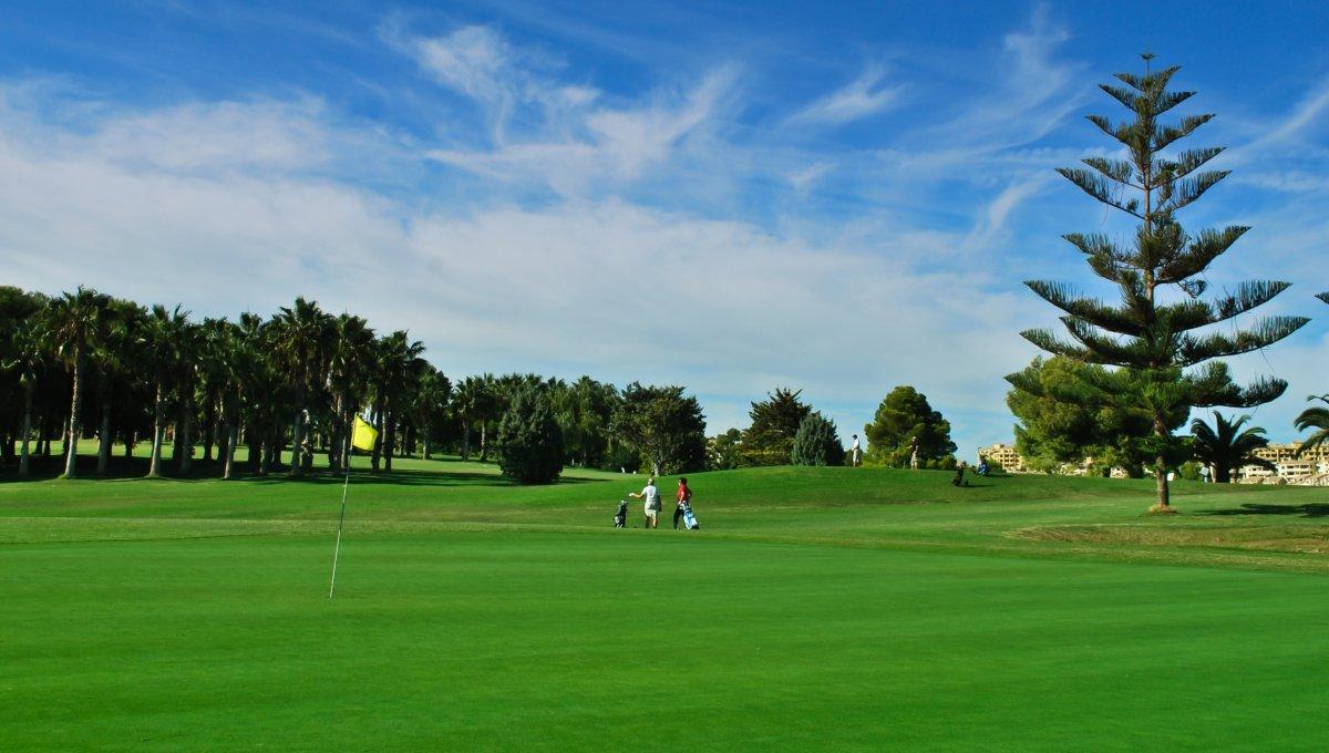 Campo de golf _Lomas de Campoamor_